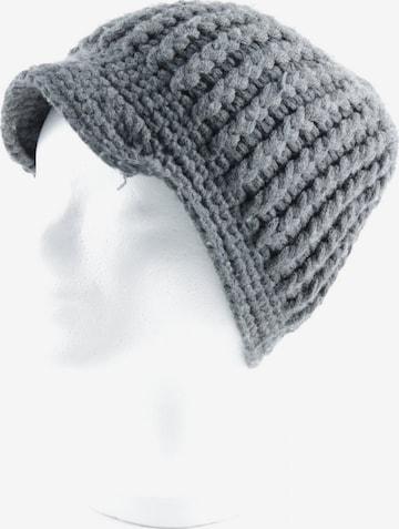 HELDMANN Hat & Cap in XS-XL in Grey