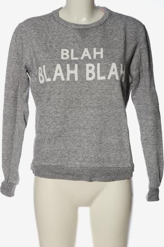 Forever 21 Sweatshirt & Zip-Up Hoodie in S in Grey