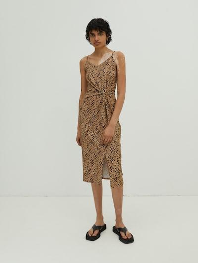 EDITED Haljina 'Maxine' u smeđa / miks boja, Prikaz modela