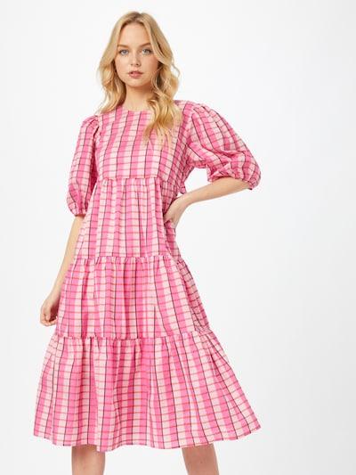 Crās Kleid 'Magdalenacras' in pink / rot / weiß, Modelansicht