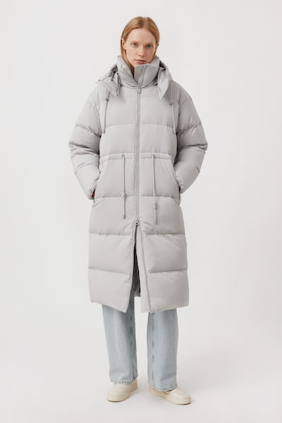 Finn Flare Daunenmantel in hellgrau, Modelansicht