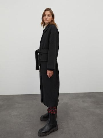 EDITED Between-Seasons Coat 'Una' in Black