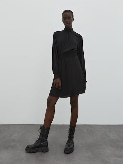 EDITED Haljina 'Berte' u crna, Prikaz modela