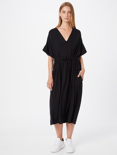 basic apparel Kleid 'Anjo' in schwarz, Modelansicht