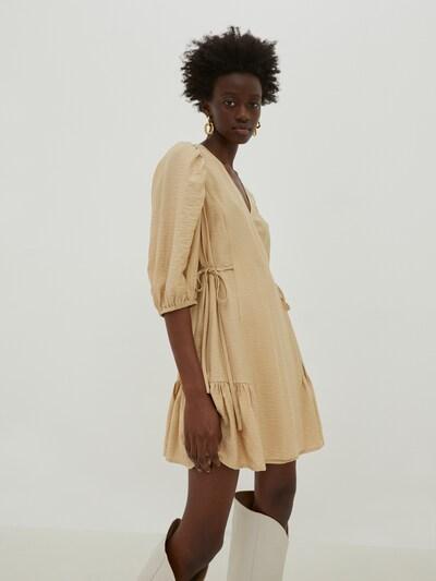 EDITED Kleid 'Gemma' in beige / sand, Modelansicht