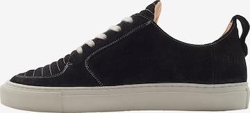 EKN Footwear Madalad ketsid 'ARGAN', värv must