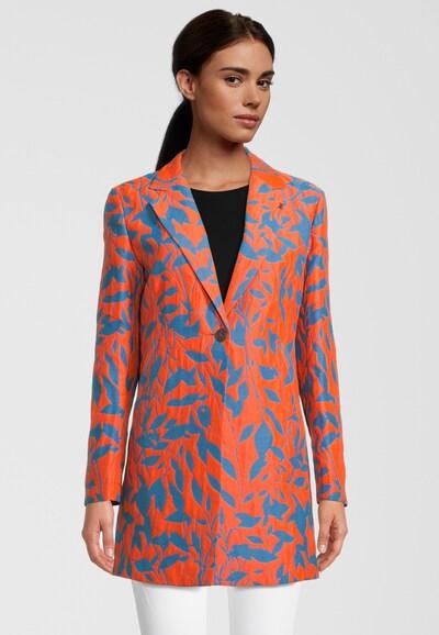 Frieda & Freddies NY Mantel mit Allover-Muster in orange, Modelansicht