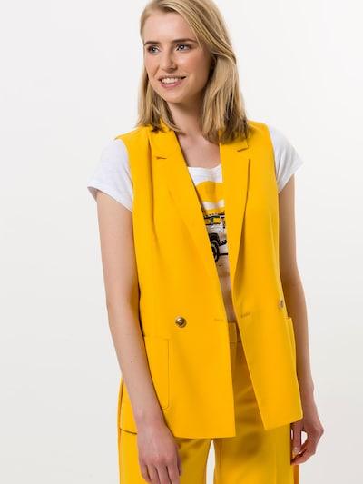 zero Weste in gelb, Modelansicht