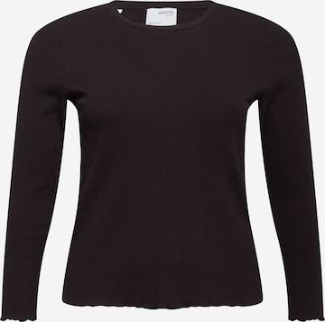 Tricou 'Nanna' de la Selected Femme Curve pe negru