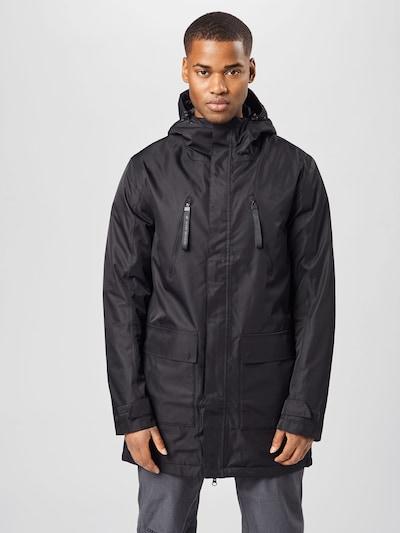 4F Outdoor jakna u crna, Prikaz modela