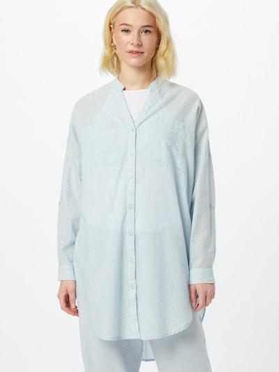 VERO MODA Blouse 'Isabell' in de kleur Lichtblauw / Wit, Modelweergave