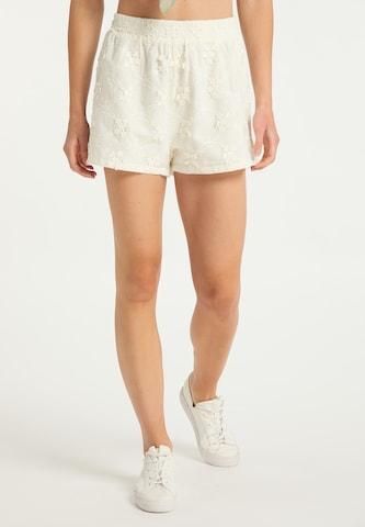 IZIA Shorts in Weiß