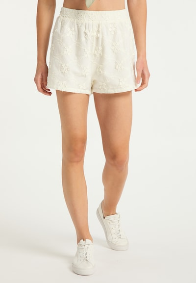 IZIA Shorts in weiß, Modelansicht