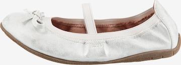 INDIGO Ballet Flats in White