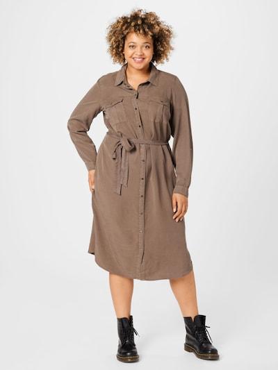 Rochie tip bluză 'SALLY' Vero Moda Curve pe maro deschis, Vizualizare model