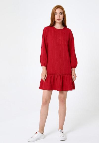 Madam-T Kleid 'Fikera' in rot, Modelansicht