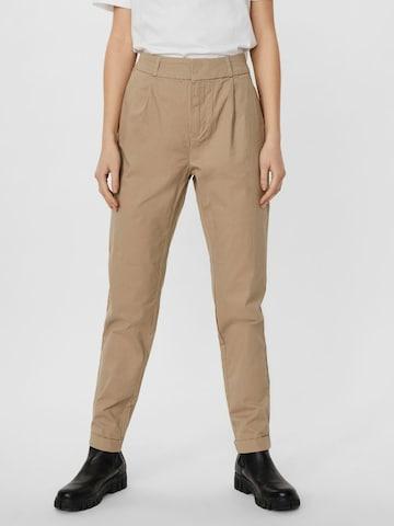 Pantaloni con pieghe 'Eva' di VERO MODA in marrone