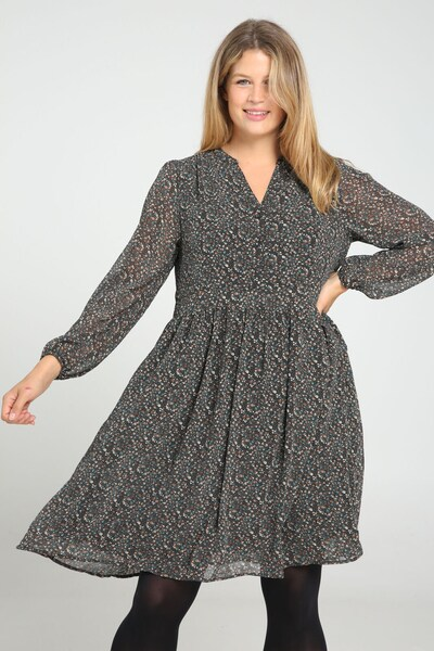 Paprika Kleid in schwarz, Modelansicht
