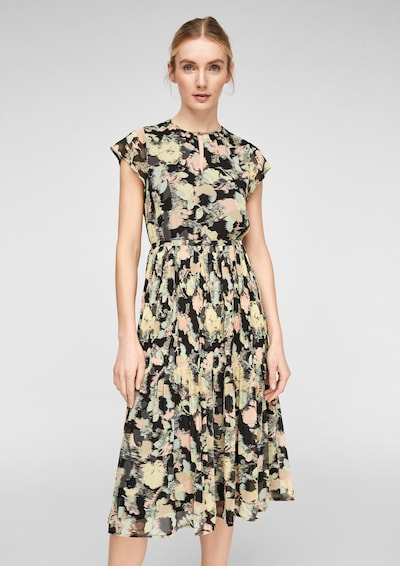 Q/S designed by Crêpe-Kleid mit Faltenstruktur in beige / hellblau / puder / schwarz, Modelansicht