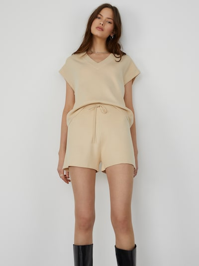 LeGer by Lena Gercke Shorts  'Eve' in beige, Modelansicht
