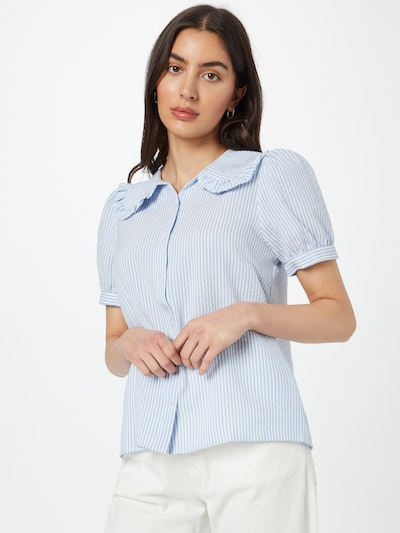 Sofie Schnoor Blouse in de kleur Lichtblauw / Wit, Modelweergave