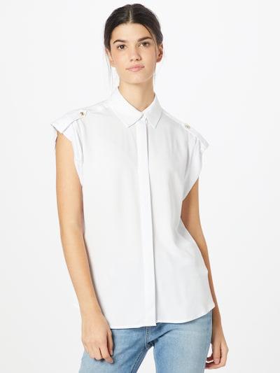 Bluză GUESS pe alb, Vizualizare model