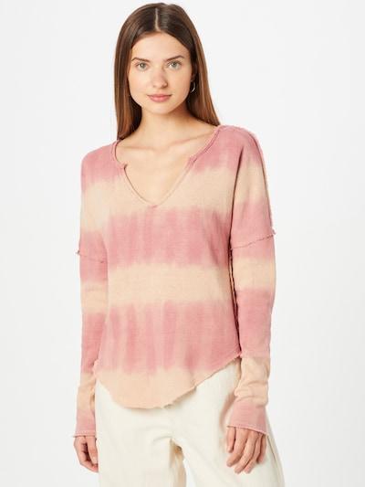 Free People Sweter 'COME AND GET IT' w kolorze brzoskwiniowy / melonowym, Podgląd na modelu(-ce)