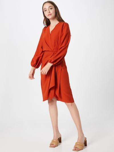 Closet London Kleid in rostbraun, Modelansicht