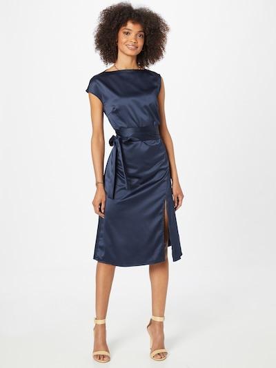 AMY LYNN Robe de cocktail 'EMILY' en bleu marine, Vue avec modèle
