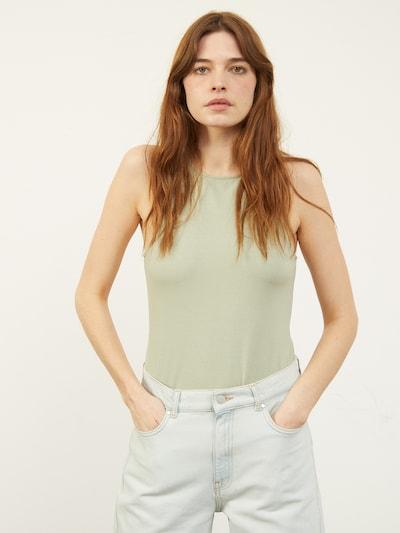 Aligne Top 'Cameron' in pastellgrün, Modelansicht
