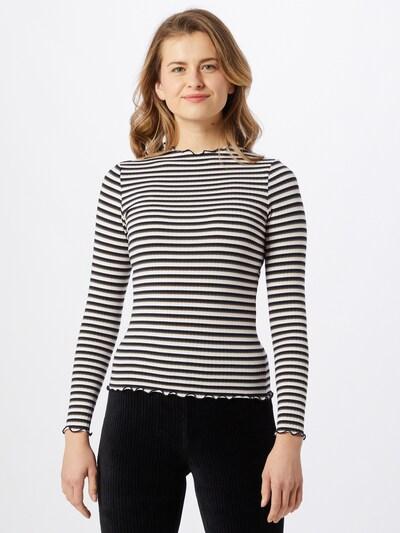 ONLY Shirt 'Emma' in schwarz / offwhite, Modelansicht