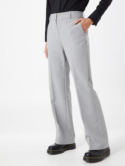 SELECTED FEMME Pantalon à plis 'Rita' en gris clair, Vue avec modèle