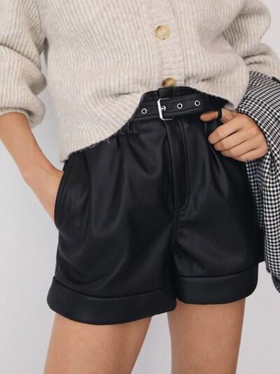 MANGO Shorts 'Julia' in schwarz, Modelansicht