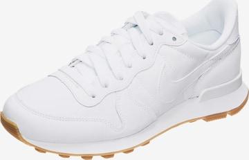Nike Sportswear Rövid szárú edzőcipők 'Internationalist' - fehér
