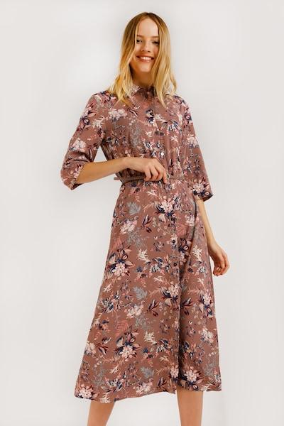 Finn Flare Maxi-Kleid mit ausgestellter Passform in mischfarben, Modelansicht