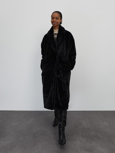 EDITED Manteau d'hiver 'Pheline' en noir, Vue avec modèle