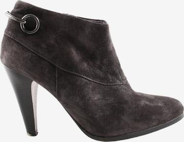 Venturini Milano Dress Boots in 40 in Brown