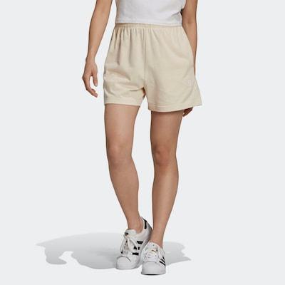 ADIDAS ORIGINALS Shorts 'Essentials' in weiß, Modelansicht