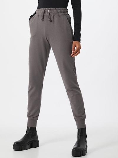 NA-KD Hose in grau, Modelansicht