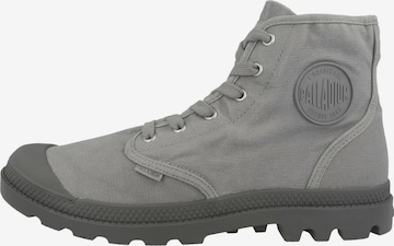 Palladium Boots in Grau