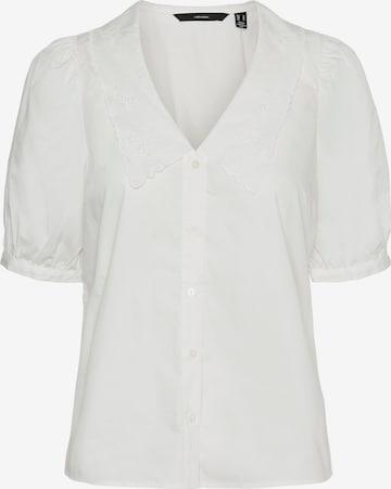 Vero Moda Tall Pusero 'Ally' värissä valkoinen