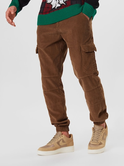 Urban Classics Hose in braun, Modelansicht