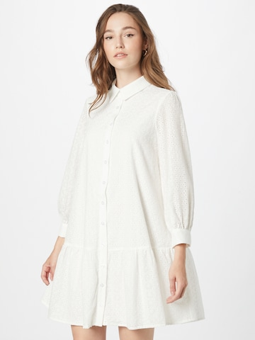Rochie tip bluză de la Chi Chi London pe alb