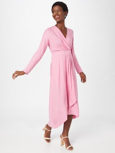 Closet London Kleid in hellpink, Modelansicht