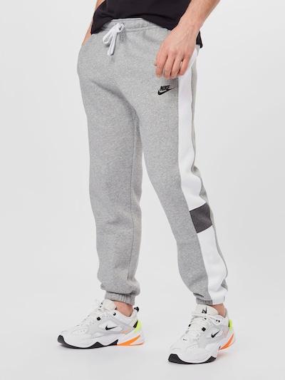 Nike Sportswear Hlače | pegasto siva / črna / bela barva, Prikaz modela