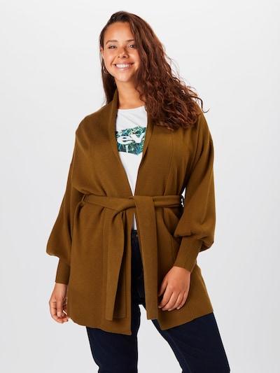 Vero Moda Curve Strickjacke 'Tabaya' in grün, Modelansicht