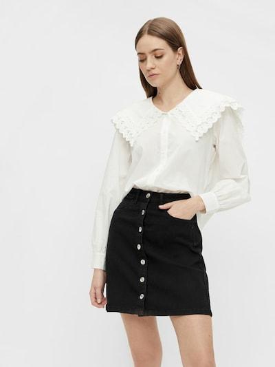 PIECES Blouse in de kleur Wit, Modelweergave