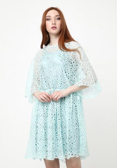 Madam-T Kleid 'Adamasa' in mint, Modelansicht