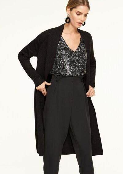 COMMA Strickjacke in schwarz, Modelansicht