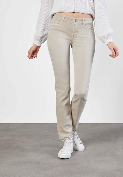 MAC Jeans in de kleur Lichtbeige, Modelweergave